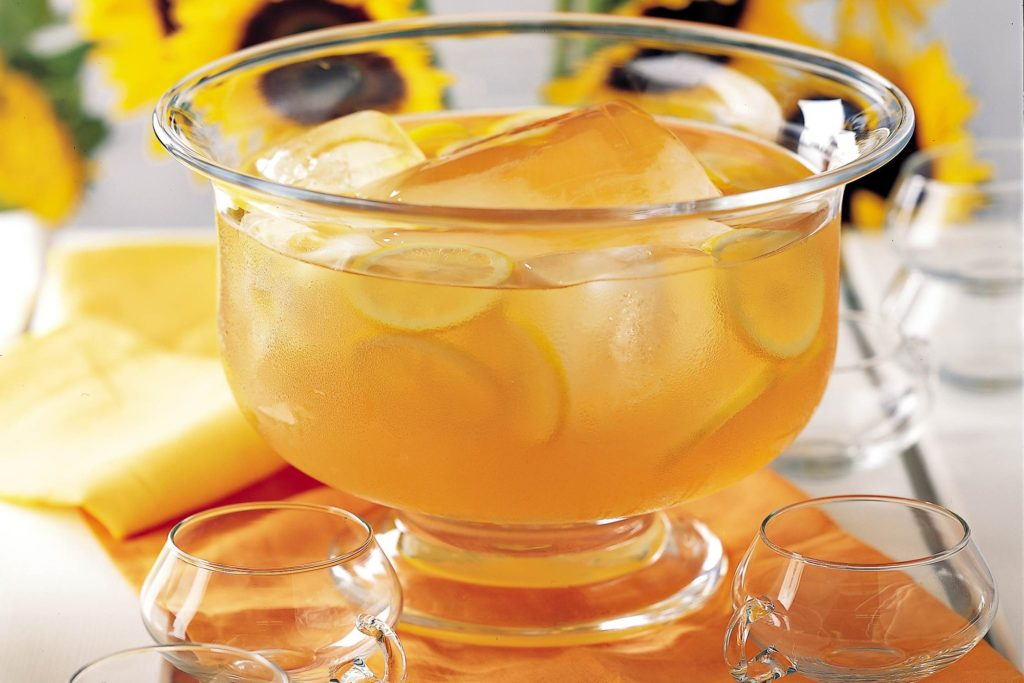 """This week on """"Dinner Classics"""" Cocktail Maestro Norm Owen Fancies up your Peach Shnapps! featured image"""