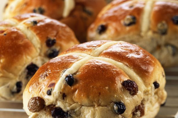 The history of hot cross buns (with a side of music)! featured image