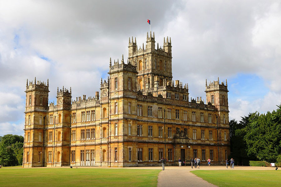 Zoomer Magazine's Vivian Vassos on her Visit to Highclere Castle, the Real Downtown Abbey