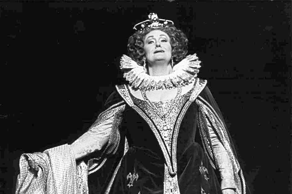 Celebrating the birth of the craziest-amazing voice ever: Dame Joan Sutherland featured image