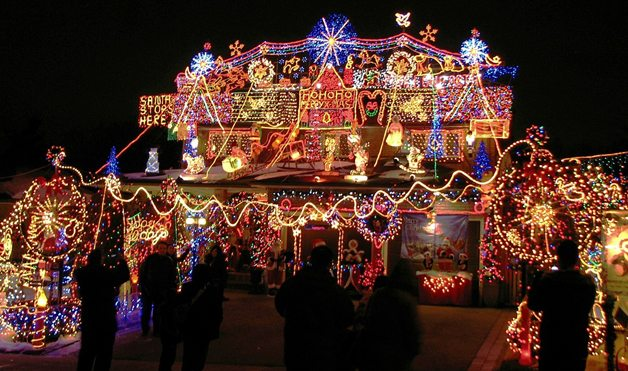 'Tis the season for extreme Christmas lights … featured image