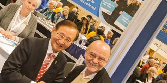Raymond Cho and Moses Znaimer at the 2019 Zoomer Show