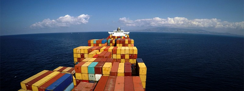 freightened_aerial_shot_of_the_puelche_container_ship-800x300