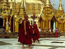 AD_AdvCenter-monks