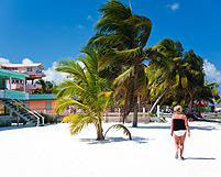 AD_AdvCenter_Belize-beach