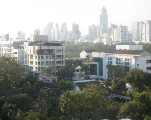 An-adventure-begins_Bangkok-skyline_IMG_2136