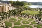 Versailles_HR-106912407