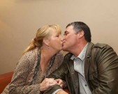 kissing-couple_173375023-photoed-the-friends-who-are-in-australia-gettyimages
