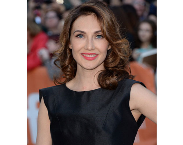 Actress-Carice-van-Houten-arrives-at-'The-Fifth-Estate'-premiere
