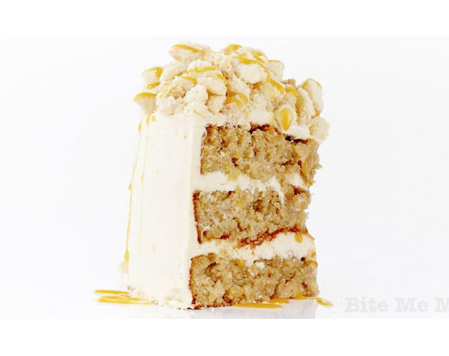 Apple Caramel Crumble Cake
