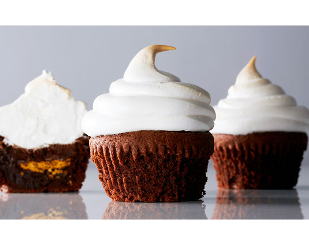 S'mores Cupcakes with marshmallow Meringue