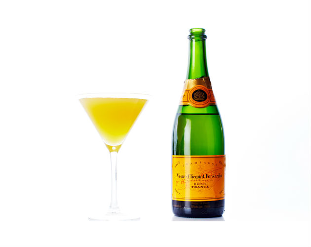Your daily dish passion fruit champagne cocktail for Champagne drinks with fruit