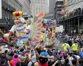 mardi-gras-float-in-the-rex-parade-turns-on-to-canal-gettyimages
