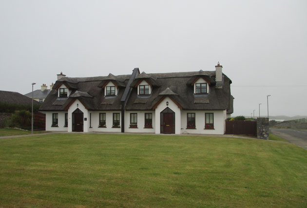 10Thatched-House-Wexford
