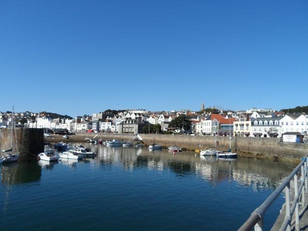 2-Guernsey