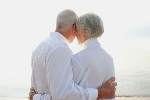 older-couple-beach