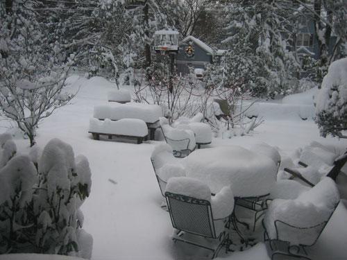 snow,-patio-table
