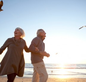 older-couple-beach