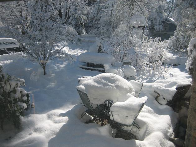 2-snow-on-patio-2