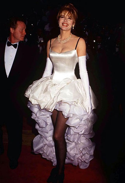 The Worst Oscar Dresses Of All Time Everything Zoomer