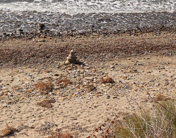 4-inukshuk-beach