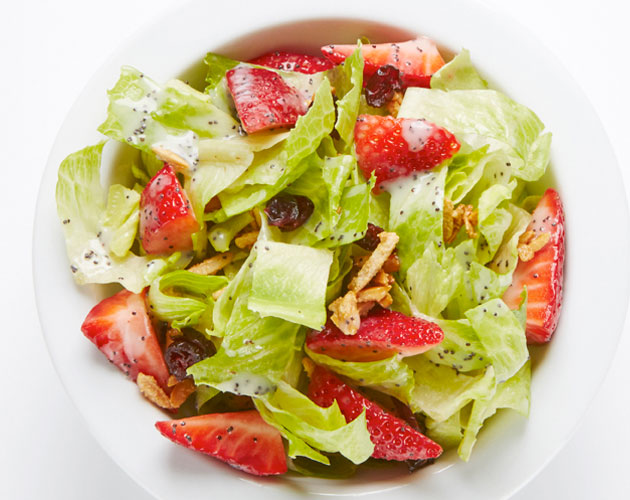 strawberry-salad-sugared-almonds