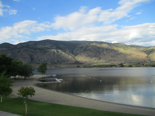 Rooms with a spectacular view of Lake Osoyoos at Watermark Beach Resort
