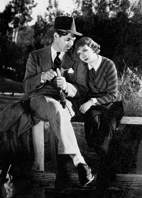 (GERMANY OUT) bert, Claudette - Actress, France, USA - *13.09.1903-30.07.1996+ Scene from the movie 'It Happened One Night'' with Clark Gable Directed by: Frank Capra USA 1934 Produced by: Columbia Pictures Corporation Vintage property of ullstein bild (Photo by ullstein bild/ullstein bild via Getty Images)