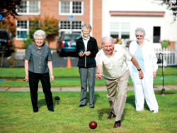 seasonsretirement-lawnbowling-july15