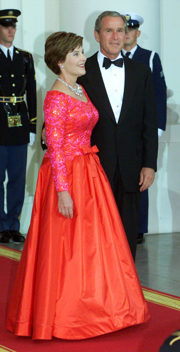 First Lady Laura Bush wearing Arnold Scaasi at a state dinner in 2001.
