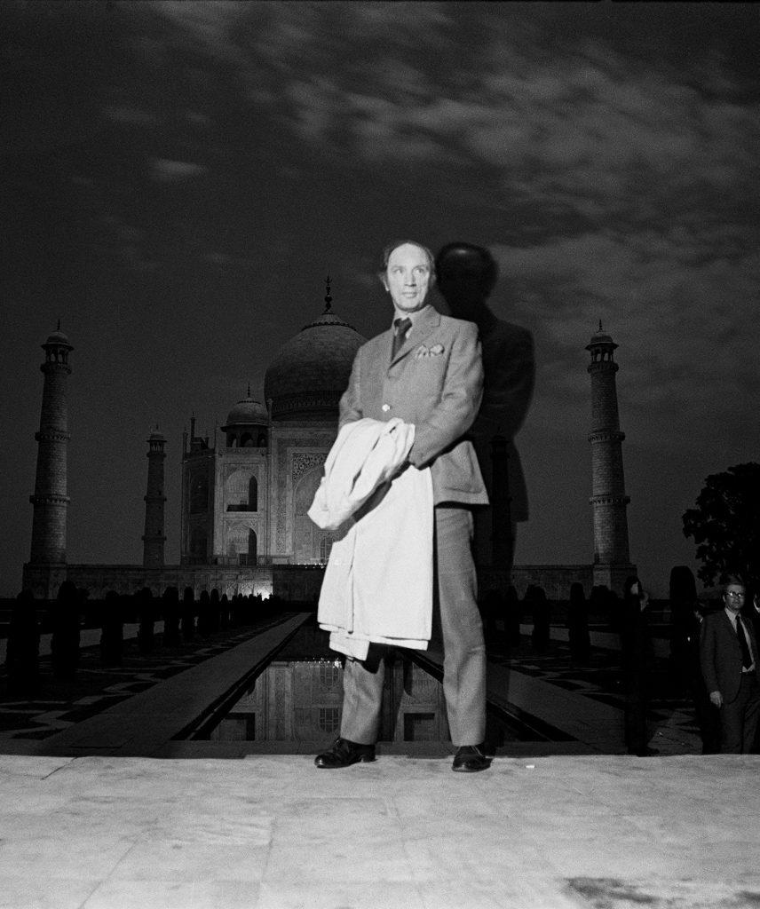 Prime Minister Pierre Trudeau poses for a photo outside the Taj Mahal Jan. 9, 1971. (CP PHOTO/ Peter Bregg)