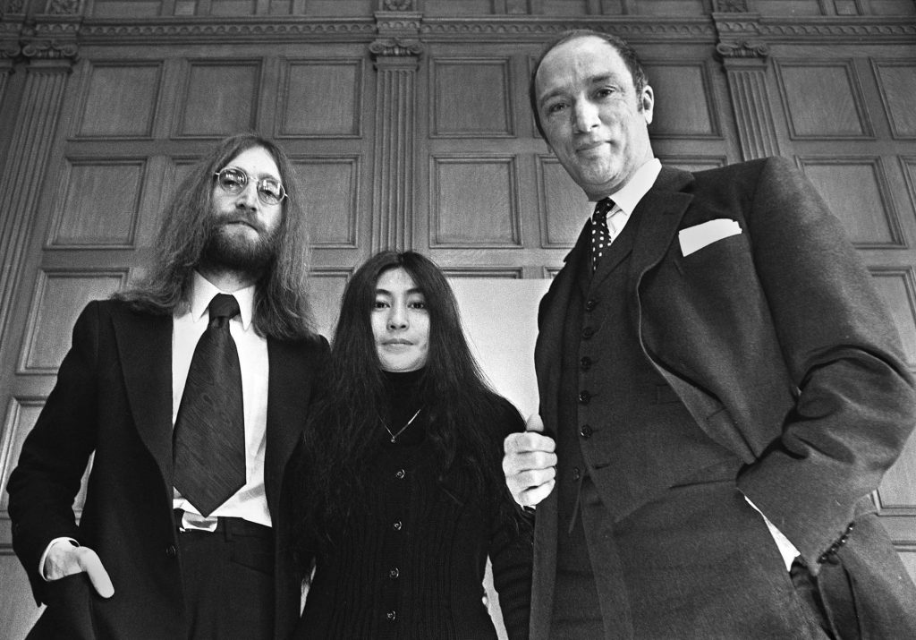 John Lennon and his wife Yoko Ono, are in Canada to conduct a crusade for peace, meet with Prime Minister Pierre Trudeau Dec.24, 1969 in Ottawa. (CP Photo/Peter Bregg) (Scan from neg)