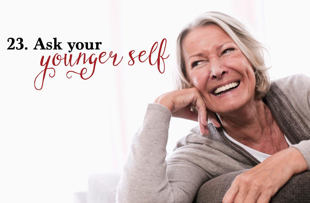 Germany, Wakendorf, Senior woman looking away, smiling