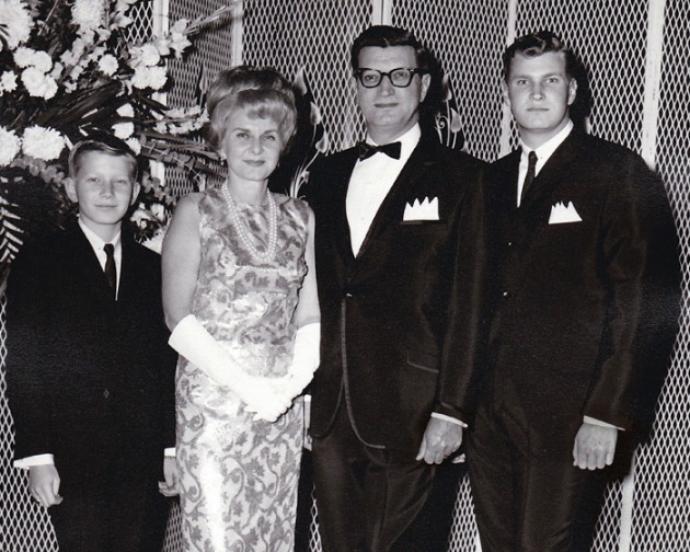 HR Tommy ,Ruth, Nat , Stephen 1963 0001