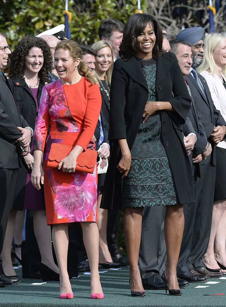 WASHINGTON, DC - MARCH 10: First Lady Michelle Obama and Sophie Grégoire-Trudeau share a laugh during a ceremony at the White House for an Official Visit March 10, 2016 in Washington, DC. This is Trudeau's first trip to Washington since becoming Prime Minister. (Photo by Olivier Douliery-Pool/Getty Images)
