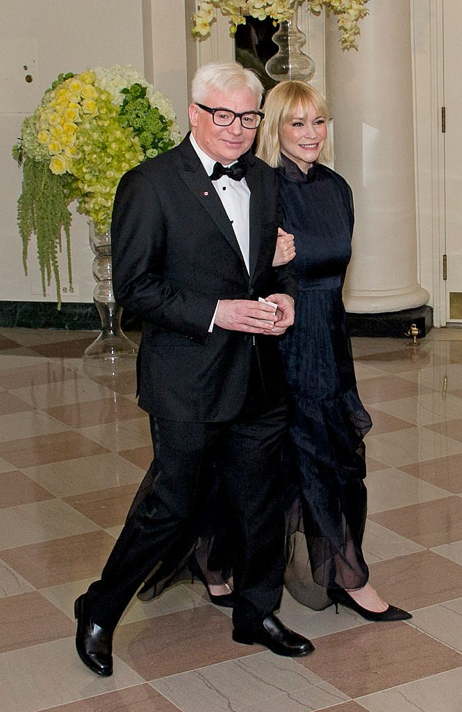 WASHINGTON, DC - MARCH 10: Actor Mike Myers and Kelly Myers arrive arrive for the State Dinner in honor of Prime Minister Trudeau and First Lady Sophie Trudeau of Canada at the White House March 10, 2016 in Washington, DC. Hosted by President and First Lady Obama, the dinner is in honor of Prime Minister Justin Trudeau and Sophie Gregoire Trudeau of Canada. (Photo by Ron Sachs-Pool/Getty Images)