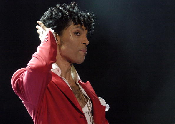NEW ORLEANS - JULY 2: Prince performs at the 10th Anniversary Essence Music Festival at the Superdome on July 2, 2004 in New Orleans, Louisiana. (Photo by Chris Graythen/Getty Images)