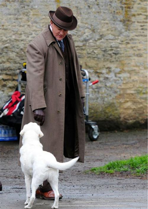 140424-galleryimg-otrc-downton-abbey-filming-season-5-hugh-bonneville-1