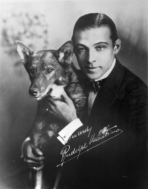 Rudolph_Valentino_and_his_dog