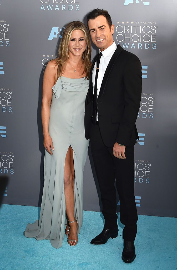 SANTA MONICA, CA - JANUARY 17: Actors Jennifer Aniston (L) and Justin Theroux attend the 21st Annual Critics' Choice Awards at Barker Hangar on January 17, 2016 in Santa Monica, California. (Photo by Lester Cohen/Getty Images)