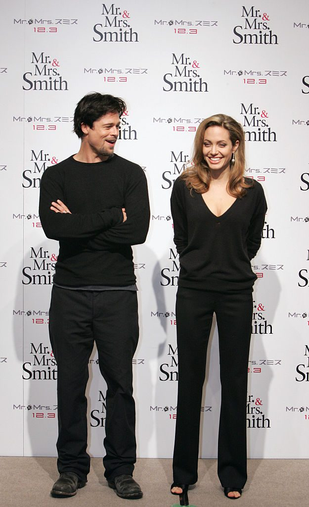 TOKYO, JAPAN - NOVEMBER 28: (CHINA OUT, SOUTH KOREA OUT) Actors Brad Pitt and Angelina Jolie attend the Mr. & Mrs. Smith press conference on November 28, 2005 in Tokyo, Japan. (Photo by The Asahi Shimbun via Getty Images)