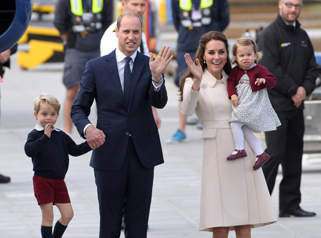VICTORIA, BC - OCTOBER 01: Catherine, Duchess of Cambridge, Prince William, Duke of Cambridge, Prince George and Princess Charlotte depart Victoria after the Royal Tour of Canada at Victoria Inner Harbour on October 1, 2016 in Victoria, Canada. (Photo by Karwai Tang/WireImage)