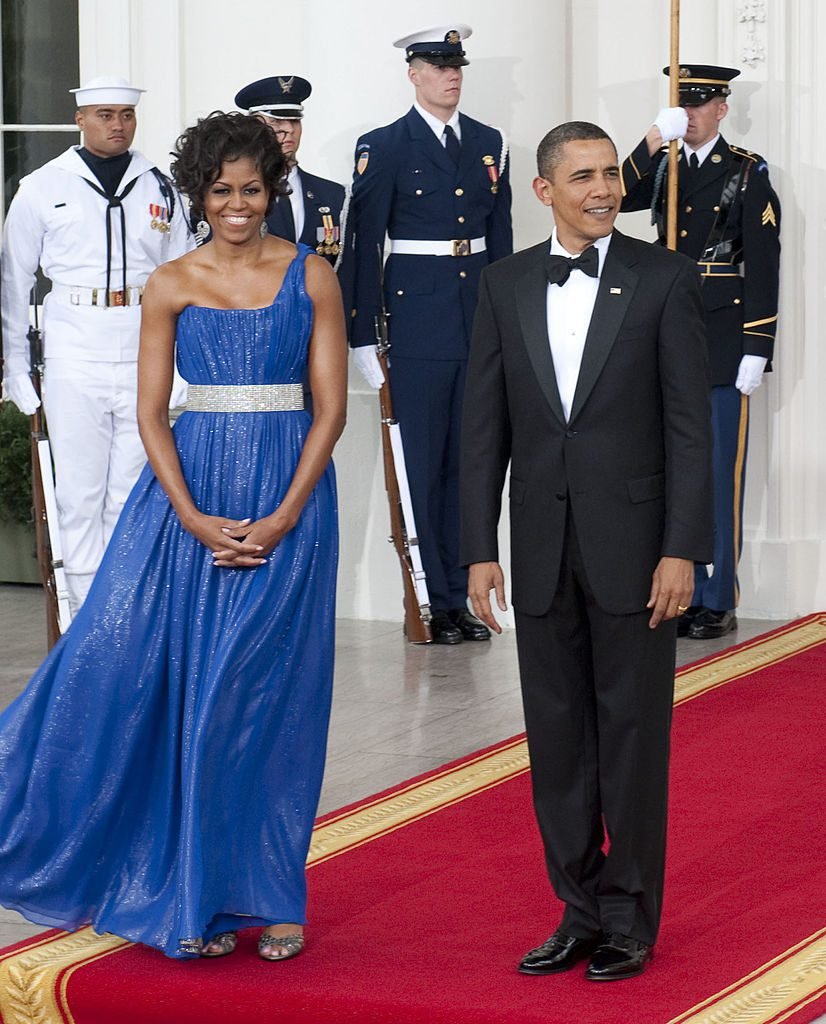 WASHINGTON, DC -MAY 19: President Barack Obama and First Lady Michelle Obama await the arrival of the Mexican President Felipe Calderon and Mrs. Margarita Zavala to this evenings State Dinner at the White House. Photos taken on May 19, 2010 in Washington, DC. (Photo by Marvin Joseph /The Washington Post via Getty Images) StaffPhoto imported to Merlin on Wed May 19 18:43:28 2010