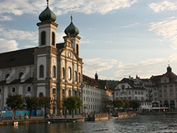mbna-advertorial-oct16-image-250x188_travel