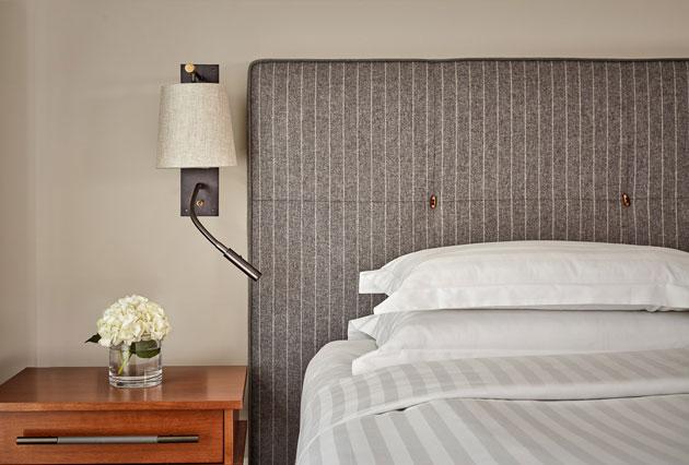 newrefurbished-regency-executive-suite-bed-detail