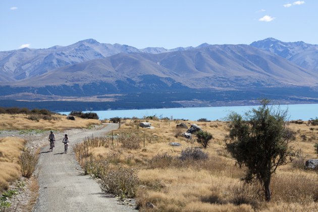 newcouple_cycling_alps_2_ocean_cycle_trail-1
