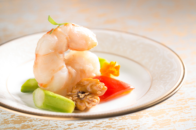 Tang-Court-Cantonese-Restaurant-Hong-Kong-Michelin-Dining-Sautéed-Prawns-Asparagus-Walnuts-Red-and-Yellow-Bell-Peppers
