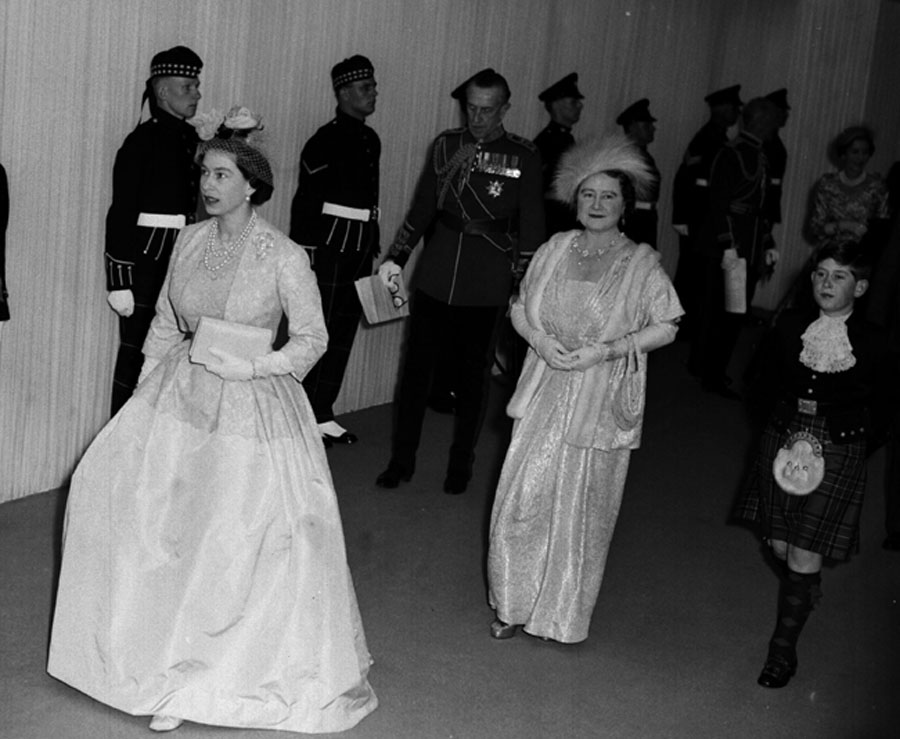 Queen Elizabeth attends Princess Margaret's wedding, 1960.