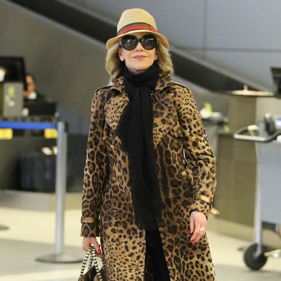 4a33f7d11b4d69 Celebrity Style: Airport Dressing That is Chic & Comfortable ...