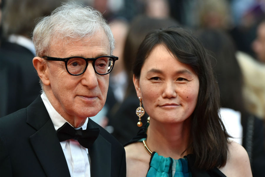 Woody Allen and Soon-Yi Previn on the red carpet.